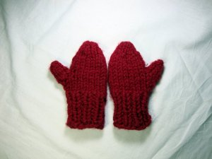 Girl child mittens